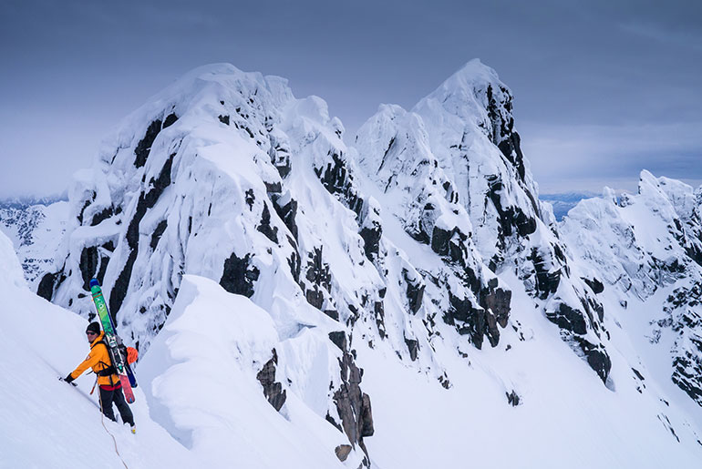 Steep skiing and Mountaineering course